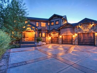 獨棟家庭住宅 for sales at Exquisite Jewel in Willow Creek Estates 4707 Pace Dr Park City, 猶他州 84098 美國