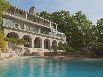 Casa para uma família for sales at Lakefront Mediterranean Estate  Kinnelon, Nova Jersey 07405 Estados Unidos