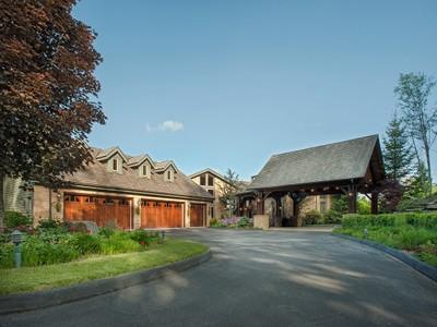 Villa for sales at LINVILLE RIDGE 211  Ridge Drive 2  Linville, Carolina Del Nord 28646 Stati Uniti