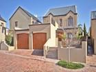 Maison unifamiliale for sales at Exceptional home on Devonvale Golf and Wine Estate  Stellenbosch, Cap-Occidental 7600 Afrique Du Sud