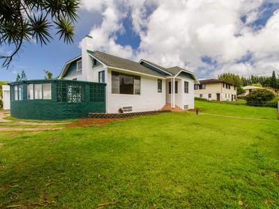 Maison avec plusieurs logements for sales at Two Homes on Large Kalaheo Lot 4681 Puuwai Road Kalaheo, Hawaii 96741 États-Unis