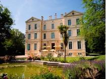 Maison avec plusieurs logements for sales at UZES MAGNIFIQUE CHATEAU XIX AVEC RAVISSANT PARC 4,7 HA  Other Languedoc-Roussillon, Languedoc-Roussillon 30700 France