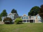 Vivienda unifamiliar for  rentals at Stunning Waterfront Home 3 Andrews Road Essex, Connecticut 06426 Estados Unidos