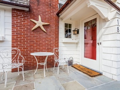 Casa Unifamiliar for sales at 18 East Wharf Rd 18 East Wharf Road Madison, Connecticut 06443 Estados Unidos