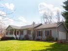 獨棟家庭住宅 for sales at Cranberry Pond 14 Cranberry Pond Rd Grafton, 紐約州 12082 美國