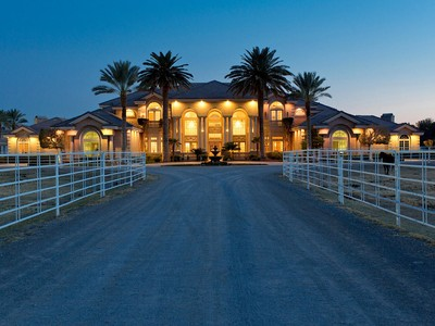 Maison unifamiliale for sales at 6855 Deer Springs Way  Las Vegas, Nevada 89131 États-Unis