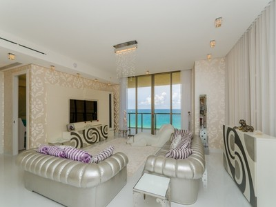Nhà chung cư for sales at 9705 Collins Ave #1004/5 9705 Collins Ave Unit 1004/5 Bal Harbour, Florida 33154 Hoa Kỳ
