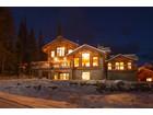Einfamilienhaus for  sales at Premium Slope Side Custom Chalet 4121 Sundance Drive   Sun Peaks, Britisch-Kolumbien V0E 5N0 Kanada