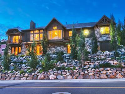 獨棟家庭住宅 for sales at Breathtaking Lower Deer Valley Mountain Home 609 Sunnyside Dr Park City, 猶他州 84060 美國