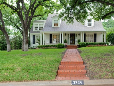Single Family Home for sales at 3724 Cresthaven Terrace   Fort Worth, Texas 76107 United States