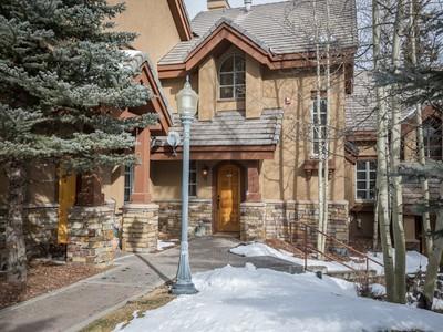Condominio for sales at Lorian 18 111 San Joaquin Road Lorian 18 Telluride, Colorado 81435 Stati Uniti