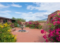 独户住宅 for sales at Charming Updated Southwest Adobe 3.68 Acre Hilltop Horse Property 11121 E Escalante Rd   Tucson, 亚利桑那州 85730 美国