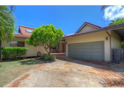 Maison unifamiliale for sales at Poipu Beach House 1655 Kelaukia Street Koloa, Hawaii 96756 États-Unis