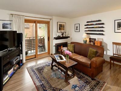 Kat Mülkiyeti for sales at Sagewood Aspen 910 W Hallam Street Unit 5 Aspen, Colorado 81611 Amerika Birleşik Devletleri