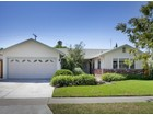 Moradia for sales at Charming One Level Home 615 S. Bronwyn Drive Anaheim, Califórnia 92804 Estados Unidos