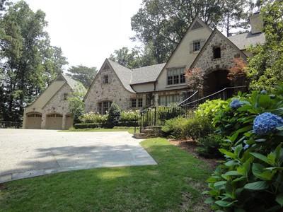 Maison unifamiliale for sales at Renovated Buckhead Estate 3635 Nancy Creek Road NW Atlanta, Georgia 30327 États-Unis