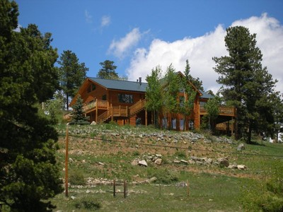 Casa para uma família for sales at 1758 Old Squaw Pass Rd 1758 Old Squaw Pass Road Evergreen, Colorado 80439 Estados Unidos