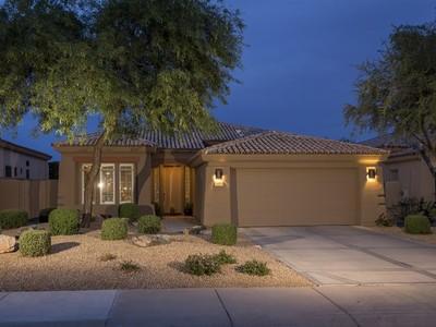 Vivienda unifamiliar for sales at Beautifully Updated Home in Grayhawk's Guard Gated Raptor Retreat 7923 E Feathersong Lane  Scottsdale, Arizona 85255 Estados Unidos