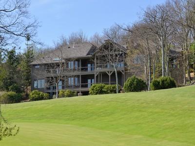 Villa for sales at Linvillie Ridge 819  Crest Trail 8  Linville, Carolina Del Nord 28646 Stati Uniti