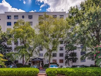 Кооперативная квартира for sales at 4505 Harding Road, Unit 22W   Nashville, Теннесси 37205 Соединенные Штаты