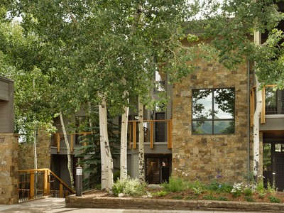 Casa Unifamiliar for sales at Woodrun V Townhouse Unit:36 590 Wood Road Unit 36 Snowmass Village, Colorado 81615 Estados Unidos