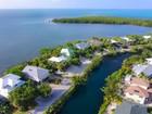Maison unifamiliale for sales at Bayfront Oasis 116 Gulfside Drive Islamorada, Florida 33036 États-Unis