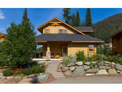Casa Unifamiliar for sales at Ski In Location and on the Golf Course 12 - 2715 Fairways Drive Sun Peaks, British Columbia V0E 5N0 Canadá