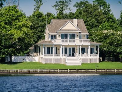 Villa for sales at Edenton Bay Waterfront 108 Hardy's Hill Lane Edenton, Carolina Del Nord 27932 Stati Uniti