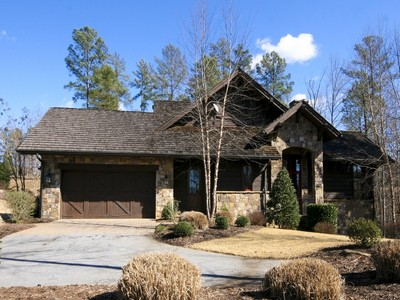 Moradia for sales at Wonderful Woodland Home 201 Ironwood Court FC5 Salem, Carolina Do Sul 29676 Estados Unidos