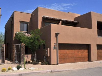 共管物業 for sales at Fabulous Rarely Lived in Central Tucson Condo 4100 N Thurston Lane #101 Tucson, 亞利桑那州 85705 美國