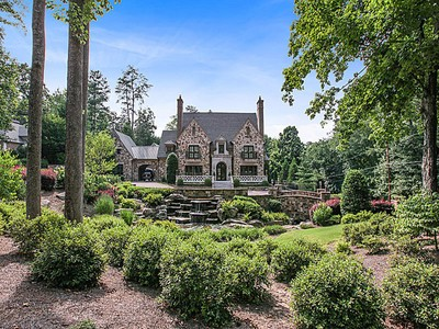 Casa Unifamiliar for sales at Extraordinary English Manor House in Buckhead 4370 Paran Place NW Atlanta, Georgia 30327 Estados Unidos