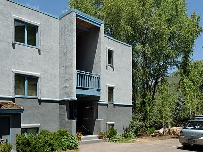 Vivienda unifamiliar for sales at Affordable in Town One Bedroom 431 Park Circle  Unit B-4  Aspen, Colorado 81611 Estados Unidos