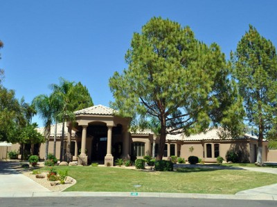 Villa for sales at Total Remodel In The Guard Gated Neighborhood Of Equestrian Manor 6242 E Sunnyside Drive Scottsdale, Arizona 85254 Stati Uniti