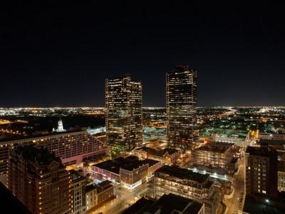共管物業 for sales at 500 Throckmorton Street  #1705  Fort Worth, 德克薩斯州 76102 美國