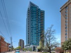 Appartement en copropriété for sales at Bungalow In The Skyy - Live Close To The Stars Wit 1048 Broadview Avenue, PH 2 Toronto, Ontario M4K2B8 Canada