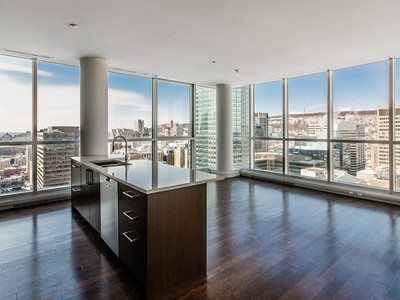 Condominio for sales at Montréal Downtown 1225 Rue University, app. 2504   Montreal, Quebec H3B1M7 Canada
