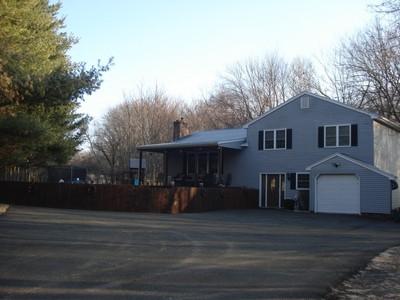 Maison unifamiliale for sales at 161 Southworth Street  Milford, Connecticut 06461 États-Unis
