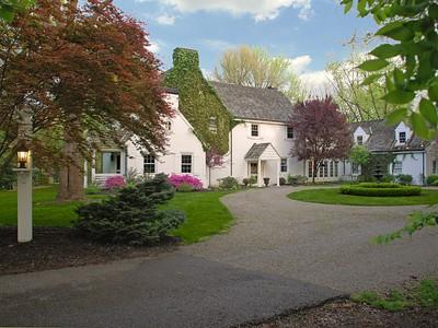 Villa for sales at Stunning English Country Estate 2930 Belkay Lane Cincinnati, Ohio 45237 Stati Uniti