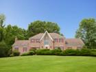 Vivienda unifamiliar for  sales at Majestic Colonial 39 Carlough Rd Upper Saddle River, Nueva Jersey 07458 Estados Unidos