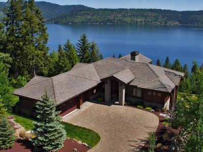 단독 가정 주택 for sales at Stunning Black Rock CDA Lake View Home 6008 W ONYX CIR Coeur D Alene, 아이다호 83814 미국