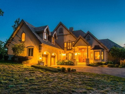 Nhà ở một gia đình for sales at 284 Skyhill Drive   Evergreen, Colorado 80439 Hoa Kỳ