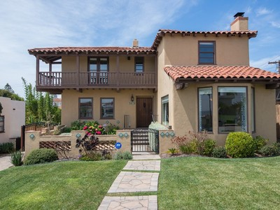 Villa for sales at 3235 Browning Street  San Diego, California 92106 Stati Uniti