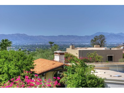 Casa Unifamiliar for sales at Spectacular Hillside Views In The Gated And Private Community Of Lincoln Hills 3500 E Lincoln Drive #23  Phoenix, Arizona 85018 Estados Unidos