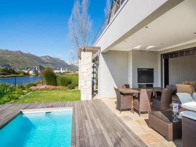 Villa for sales at Riverside Charm in Pearl Valley Golf & Country Estate  Paarl, Capo Occidentale 7646 Sudafrica