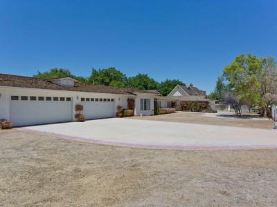 独户住宅 for sales at 2408 Palomino Ln  Las Vegas, 内华达州 89107 美国