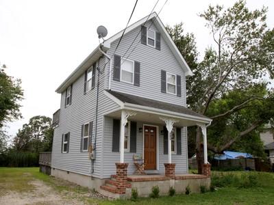 Maison unifamiliale for sales at Close To Mantoloking Beaches 89 Mantoloking Road Mantoloking, New Jersey 08723 États-Unis