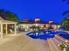 獨棟家庭住宅 for  sales at 9814 Black Gold  La Jolla, 加利福尼亞州 92037 美國