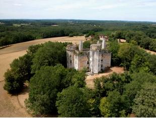 Outros residenciais for sales at For sale Classified Monument Chateau de l'Herm  Other Dordogne, Dordogne 24580 França