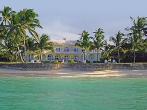Nhà ở một gia đình for Bán at Beachfront Estate Beachfront Estate Lyford Cay Drive Lyford Cay, New Providence/Nassau . Bahamas