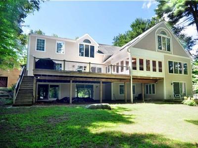 Casa Unifamiliar for sales at Classic Design with Excellent Frontage 193 West Hyerdale Dr. Goshen, Connecticut 06756 Estados Unidos